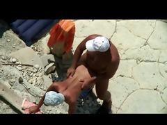 beach daddy bonks his woman