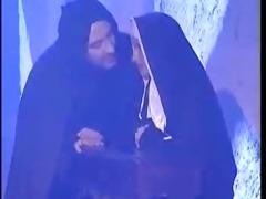 cilgin rahibe gunah cikariyor haylazadam105.com
