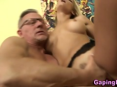 hottie gets a jizz flow from old boy