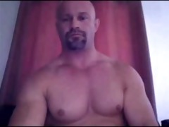 str11 daddy shows off that is athletic bod and