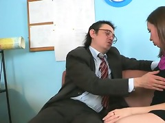 pounding babe\s constricted muff